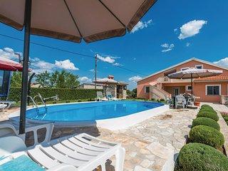 4 bedroom Villa in Smrdelje, Zadarska Županija, Croatia : ref 5532851