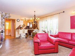 4 bedroom Villa in Gostinjac, Primorsko-Goranska Županija, Croatia : ref 553283