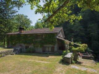 5 bedroom Villa in Luicciana, Tuscany, Italy : ref 5532658
