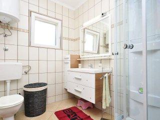 4 bedroom Villa in Selca, Splitsko-Dalmatinska A1/2upanija, Croatia : ref 5532646