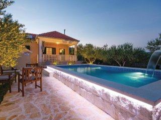 2 bedroom Villa in Plano, Splitsko-Dalmatinska Županija, Croatia : ref 5532561