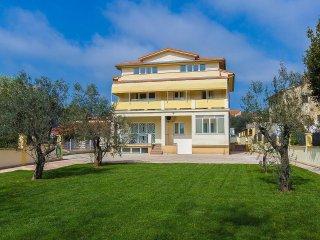 3 bedroom Apartment in Medulin, Istria, Croatia : ref 5532456