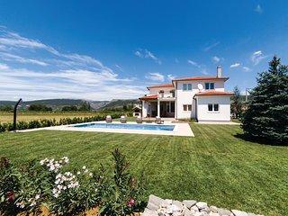 5 bedroom Villa in Jukići, Splitsko-Dalmatinska Županija, Croatia : ref 5532405
