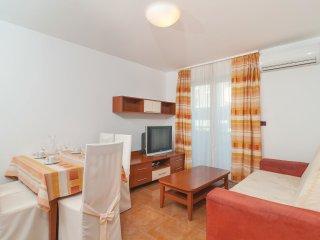 5 bedroom Apartment in Supetar, Splitsko-Dalmatinska Zupanija, Croatia : ref 553