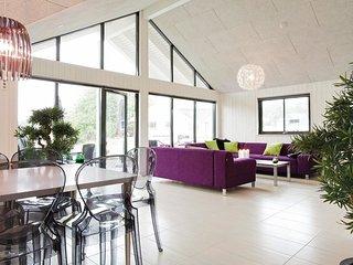 7 bedroom Villa in Tisvilde, Capital Region, Denmark : ref 5528038