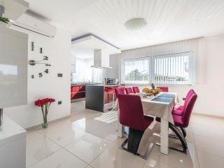 6 bedroom Villa in Zaton Obrovacki, Zadarska Zupanija, Croatia : ref 5526864