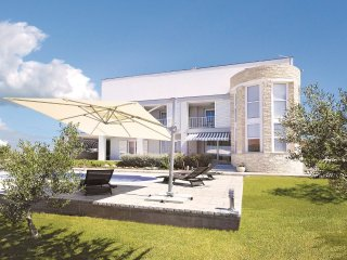 5 bedroom Villa in Debeljak, Zadarska Zupanija, Croatia - 5526770