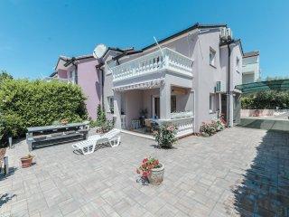 4 bedroom Villa in Srima, Sibensko-Kninska Zupanija, Croatia : ref 5526735