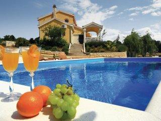 3 bedroom Villa in Cupici, Sibensko-Kninska Zupanija, Croatia : ref 5526671