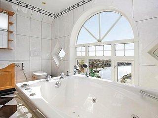 6 bedroom Villa in Ballstad, Nordland Fylke, Norway : ref 5524322