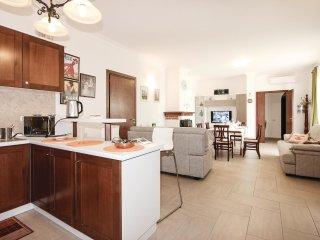 6 bedroom Villa in Interpoderale, Campania, Italy : ref 5523316