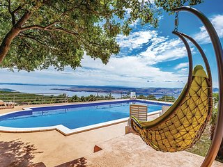 6 bedroom Villa in Jurkusa, Licko-Senjska Zupanija, Croatia : ref 5521629