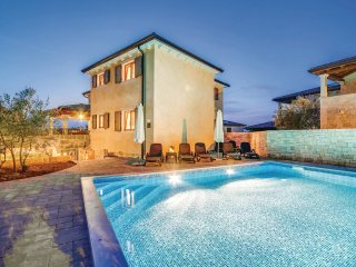 4 bedroom Villa in Vantačići, Primorsko-Goranska Županija, Croatia : ref 5521144