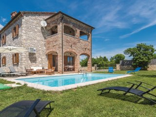 4 bedroom Villa in Čabrunići, Istria, Croatia : ref 5520461