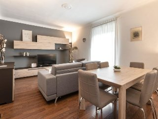 2 bedroom Apartment in Milan, Lombardy, Italy - 5697265