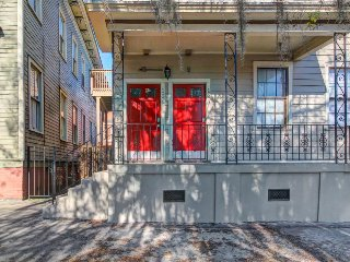 Dog-friendly upper-level urban townhouse with modern conveniences