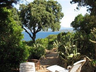 Porto Vecchio, komfort. Ferienhaus mit medit. Ambiente, wenige Min. vom Strand
