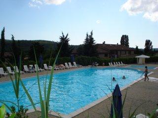 Bilocale 4+1 in residence con piscine, bar, ristorante, centro benessere,