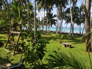 PARADISE     Kivulini Beach Villa Absolute Paradise at the beach, beach front.