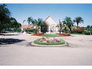 Naples Condo in Golf Community