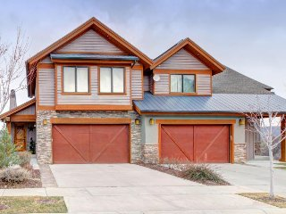 Luxurious, family-friendly home with a private hot tub - close to skiing