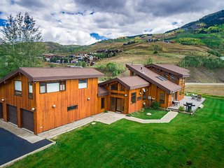 Overlooking Vail Mt. CB. Spacious Home with Majestic Views! Holiday Specials!