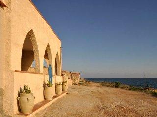 8 bedroom Villa in Cava d'Aliga, Sicily, Italy : ref 5218416