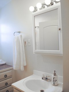 Master Bath, shampoo cream rinse and soft soap provided