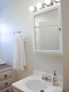 Master Bath, shampoo cream rinse and soft soap provided