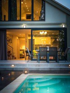 Villa Gaiana - New Modern Villa Just a Step Away from Nikiana Beach