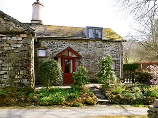 LLH38 Cottage in Wray