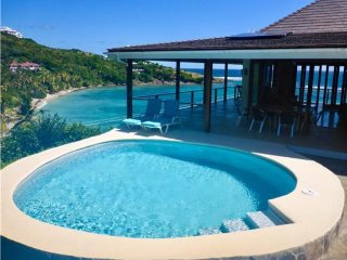 Jamdown Waterfront Villa - Bequia
