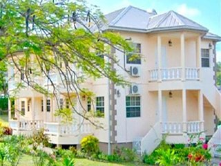 Grenada Golf & Beach Apartment 2- Grenada