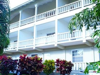 Island Inn Apartments - Bequia