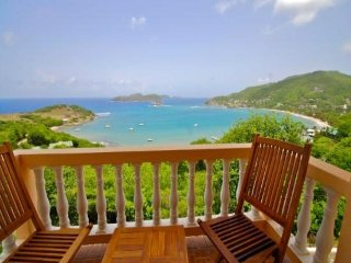Friendship View Whole House - Bequia
