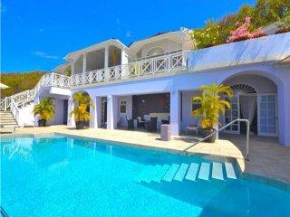 Jacaranda Pool Apartment