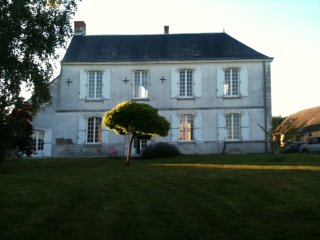 New ! Heaven on earth ! Charming XVIII century manor 1 km from the Loire river