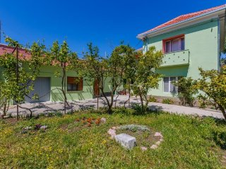 Four bedroom apartment Kaštel Stari (Kaštela) (A-14577-a)