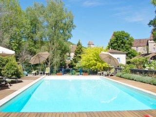 6 bedroom Villa in Saint-Jean-de-Côle, Nouvelle-Aquitaine, France : ref 5569029