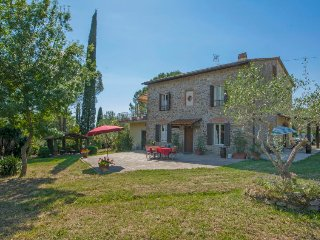5 bedroom Villa in Bussoli, Tuscany, Italy : ref 5568987