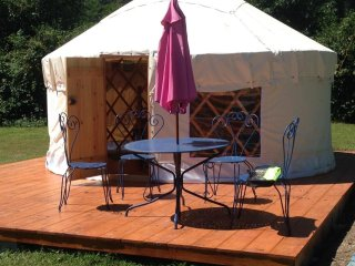 Lovely Yurt for two in Lortet !