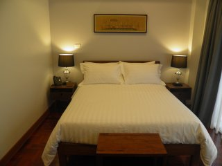 202 - The Juta Executive Suite at Maneeya Park Residence