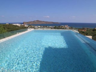 Efie Seaview Luxury Villa, 1km From Stalos Beach Chania