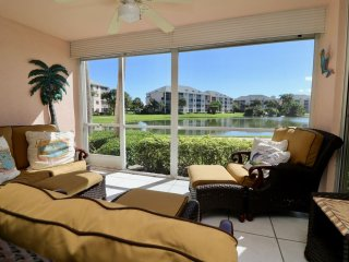 Lake View Condo by the Beach with screened patio