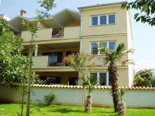 Two bedroom apartment Rovinj (A-14433-b)