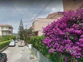 Casa Iulia ,  a  due passi dal mare