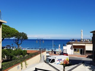 Wonderful apartment located in front of the sea 30 meters from beaches