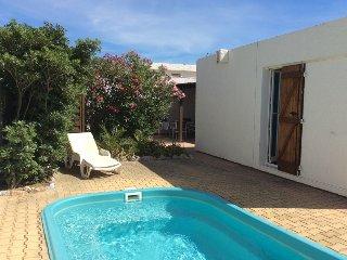 Villa piscine privée + climatisation + internet à 50m de la plage pour 6/7 pers