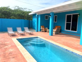 Cas di Soño Summer Breeze 3 Bedroom 3 bath Pool Home