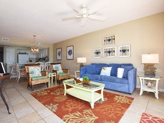 Gulf Dunes 202, Ocean Views, Sleeps 10, WIFI